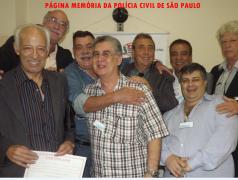 """1º Encontro de Confraternização da """"Velha Guarda"""" da Polícia Civil do Estado de São Paulo, no Restaurante Fuentes, em 25/10/13. Todos trabalharam na Delegacia de Roubos do DEIC, o """"KILO"""", na década de 70: Investigadores Piau, Abílio """"Português"""", Alfredo Lambuiease """"Farofa"""", Walter Matos """"Waltinho"""", Delegado Delegado de Polícia Paulo Roberto de Queiroz Motta., Investigadores Osvaldo Jose Dos Santos """"Osvaldinho"""" e Antonio Fernandes Martins """"Rambo"""". (fotos do Fábio, Editor Chefe do Jornal Folha Corrida)."""