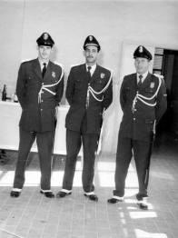 Integrantes da extinta Guarda Civil com trajes de gala, em Sorocaba, na década de 60.