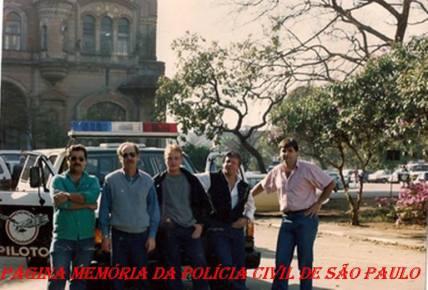 Policiais do GARRA, na década de 80: À partir da esquerda, Investigadores Mário, Della Brida, Camilo, Robertinho e Delegado Nico.