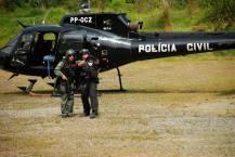 Helicóptero Pelicano com Policiais Civis do GARRA- DEIC.
