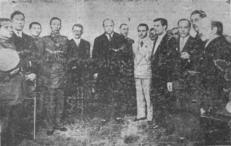 Autoridades da Delegacia Regional de Polícia de Santos, quando da chegada da Guarda Civil naquela cidade, no início dos anos 30.