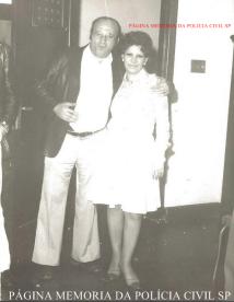 Investigador de Polícia Jacob Magidman e a lendária Denise, na década de 70.