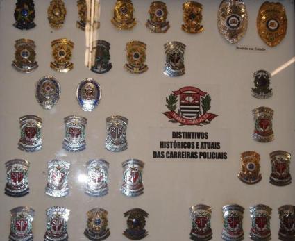 Distintivos da Polícia Civil de São Paulo.