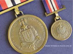 Medalha da extinta Guarda Civil.