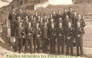 """Integrantes da extinta Guarda Civil do Estado de São Paulo, no final da década de 60. O primeiro daesquerda da fila de cima, o Delegado de Polícia José de Freitas Mendonça """"in memoriam"""" (ex- Chefe dos Investigadores da Delegacia de Roubos)."""