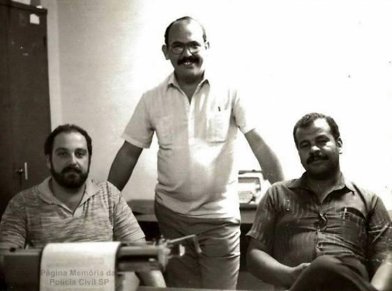 "Equipe Apolo 91 da Delegacia Roubo a Bancos do DEIC, Investigadores Zé Roberto, Cypriano R Santos (encarregado) e Valter Correa ""Tigrão"", em 1.985."