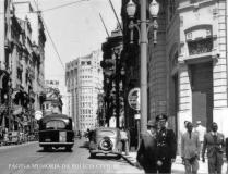 Integrante da extinta Guarda Civil do Estado de São Paulo, na esquina da Rua Direita X Rua Líbero Badaró, em 1941.