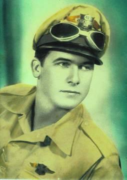 Patrulheiro da extinta Polícia Rodoviária do Estado de São Paulo, na década de 60 (foto colorizada).