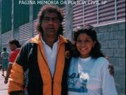Escrivã de Polícia Vera Andreozzi (hoje aposentada) com o centro avante do SE Palmeiras César Augusto da Silva Lemos, mais conhecido como Cesar Maluco, na década de 80.