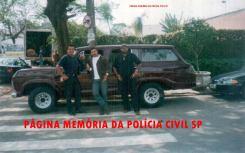 Equipe da 2ª Delegacia da DISCCPAT- DEIC (Kilo), na década de 90. Investigadores Osvaldo Jose Dos Santos, Toninho e Augusto.