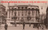Policial de trânsito da extinta Guarda Civil do Estado de São Paulo, década de 30.