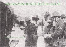 O Terceiro Delegado de Polícia Auxiliar, Rudge Ramos, dirigindo os serviços de transito na via pública da Guarda Cívica, corporação que antecedeu a Guarda Civil Estadual de SP. Em 1924, a Guarda Cívica foi incorporada à Força Pública para engrossar a tropa que perseguia a 1ª Divisão Revolucionária (Coluna Prestes), grupamento revolucionário originado na Revolução Tenentista de 1924. Em outubro de 1926, justamente para suprir a falta de policiamento ostensivo na capital paulista e outras cidades importantes do Estado, foi criada a Guarda Civil, que, por sua vez, foi extinta, juntamente com a Força Pública, em 1970, dando origem a atual Polícia Militar do Estado de São Paulo.