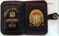 Carteira Preta e distintivo do DOPS do Investigador Luiz Spinola, usado até a década de 70.