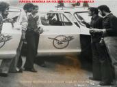 """GARRA 20 e 22, em 1.977. À partir da esquerda, Investigadores (?), Alfredo Lambiase, Barbosa, André """"Boca"""", Sanvido; Delegados José Roque Duarte (atualmente Procurador de Justiça) e Guaracy Moreira Filho."""