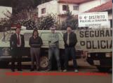 Defronte o 4º DP de Diadema (Eldorado), viatura GM- Veraneio. À esquerda o Delegado Mário Abe, ladeado de outros policiais do Distrito, em 1.990. acervo da filha Mariangela Akemi F. Abe. https://www.facebook.com/MemoriaDaPoliciaCivilDoEstadoDeSaoPaulo/photos/a.299034823552429.68610.282332015222710/309799185809326/?type=3&theater