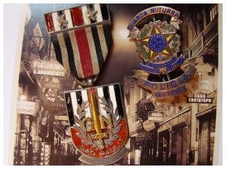 Medalha e Distintivo da Guarda Noturna, em 1.932.