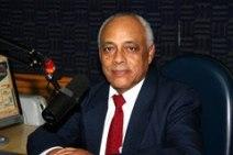 Abissair Rocha é jornalista, tem 77 anos, é mineiro e começou na área na Rádio Difusora Duque de Caxias, como locutor comercial. Passou pelas rádios Mauá e Tupi do Rio, na área esportiva. No jornal Luta Democrática cobriu a editoria de polícia. Montou a sucursal do Jornal O Fluminense em Teresópolis e em Magé ( RJ). Em Santos foi editor de polícia do Jornal Cidade de Santos. Em 1968, fundou o Jornal Polícia na Cultura de Santos e desde 1987 é apresentador chefe do programa Rádio Polícia na Rádio Cultura AM. Trabalha na Rede VTV desde 2006. Em 2008, quando Eduardo Barazal assumiu o jornalismo, foi convidado para ser cronista policial no Jornal da Rede VTV. Camila Malynovski é formada em Jornalismo em Santos e repórter da rádio Bandeirantes. Começou a carreira como repórter de TV.
