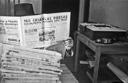 Flagrante de uma notícia em jornal paulista sobre prisões de crianças, em 1.939.