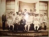 Delegacia de Polícia de Caçapava, com o Delegado de Polícia, Investigadores, Escrivães e destacamento da Força Pública do estado de São Paulo, em 16 de abril de 1934. (enviado por Claudia Resende).