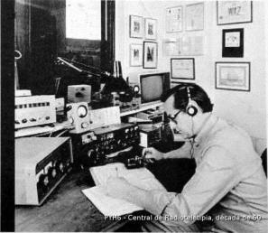 Antiga sala de telecomunicações da Polícia Civil.