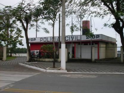Prédio do 2º Distrito Policial de Cubatão- DEINTER 6, as margens do Rio Casqueiro.