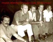 Campo de futebol do Comercial Futebol Clube de Ribeirão Preto. À partir da esquerda, Investigador Ronaldo Nogueira de Moura; Delegado Mário Nicolino; PM Luiz Augusto Teixeira Filho; Delegados Anivaldo Registro e Pedro Lavorato, na década de 70.