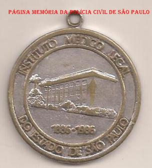 Chaveiro em homenagem ao centenário de criação do IML- Istituto Médico do Estado de São Paulo, 1.886- 1986. https://www.facebook.com/MemoriaDaPoliciaCivilDoEstadoDeSaoPaulo/photos/a.282402295215682.65304.282332015222710/1138008182988418/?type=3&theater
