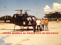 Operação no Litoral Norte com o Pelicano, no início da década de 2.000. À partir da esquerda, Delegado Titular da 3ª da DIVECAR, Delaye; Investigadores Marco Quaranta, Edimir e Chefe Reis.
