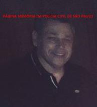 Faleceu hoje, 24/09/2017, após um mal súbito, o Delegado de Polícia João Carlos dos Santos, do 8º DP do DECAP. https://www.facebook.com/MemoriaDaPoliciaCivilDoEstadoDeSaoPaulo/photos/a.306284829494095.69308.282332015222710/1335282639927637/?type=3&theater
