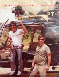 """Policiais Civis, o saudoso Belmiro Timótheo """"Didi"""" e """"Dito"""", no Pelicano, em meados da década de 80. Acervo da filha Adriana Souza Timótheo."""