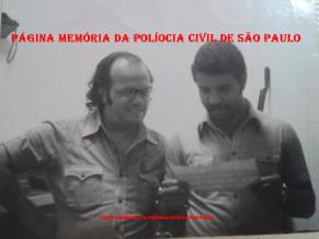 """1ª Delegacia de Roubos da DISCCPAT- DEIC (KILO),final da década de 70: Investigadores Edson Champi """"Moita"""" e Mário Pinto """"Mário Fumaça, in memorian"""". ( Acervo do filho Eduardo Gabriel Pinto)."""