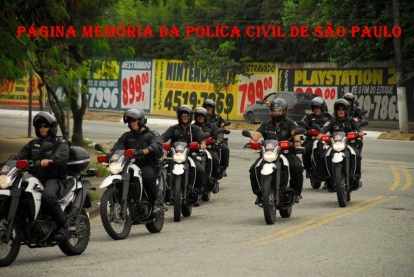 Equipe de motociclistas do GARRA- DEIC.