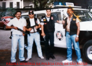 "Equipe da Delegacia Roubo a Bancos da DISCCPAT- DEIC, no final da década de 80. Investigadores Mamute, Ivo Zarlenga, Bitencourt ""Bita"" e (?)."