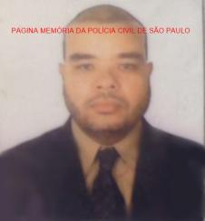 Faleceu hoje pela manhã, vítima de latrocínio em roubo de sua motocicleta, na Avenida Armando de Arruda Pereira, área do 35 DP, o Escrivão de Polícia de Diadema, Ivan Souza Freitas. Baleado na regiao do tórax. Socorrido ao Saboya veio a óbito.