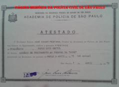Atestado de Estágio de Treinamento ap Pessoal da RONE- Ronda Noturna Especial, do Investigador Paulo Luiz Gentil (Posteriormente Delegado), expedido em 07 de abril de 1.972 e assinado pelo Delegado José Cesar Pestana.