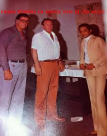 Ícones da história policial do Estado de São Paulo, na década de 70: Repórter policial João Bussab ao centro, ladeado com os Investigadores Abílio Alcarpe e Ives Carvalho, à direita.
