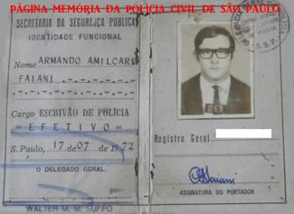 Carteira Funcional do Escrivão de Polícia Armando Amilcare Faiane, assinado pelo Delegado Geral de Polícia Walter de Morais Machado Suppo, expedida em 1972.