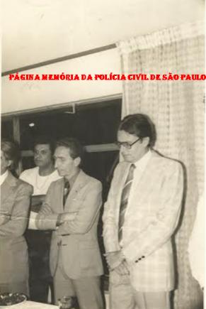 Homenagem da Associação dos Investigadores ao Grupo 30 do GARRA. À partir da direita Delegados Osvaldo Roberto Manzo Valery, Henrique Riedel e Mellinho (aparece parte) e ao fundo o Investigador Laurão.