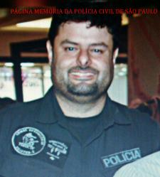 Faleceu, por volta das 20hras de hoje, 02/03/2016, por causa de infarto no miocárdio, o Investigador de Polícia Chefe do GARRA da Seccional de Campinas, Investigador Gustavo.