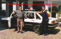 """Investigadores da 3ª Delegacia de Furto de Fios da DISCCPAT- DEIC (Kilo), em 1.986, Aurélio e Osvaldo Santos """"Osvaldinho""""."""