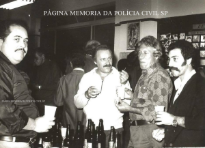 """Investigadores de Polícia Nogueira """"in memorian"""", Gilberto Rangel, Nelson Rossato e Claudio Hilário de Souza """"Claudinho Português"""", em 1.977."""