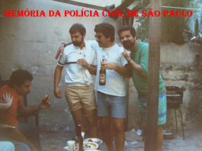 Investigadores de Polícia da DISCCPAT- DEIC (Kilo), José Luiz Ruas de Abreu (hoje Delegado de Polícia), Farina, Cyrano Filho Andrade e Sergio (Pé). Década de 80.