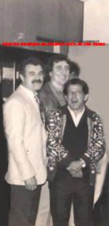 """Delegado Jair de Castrp Oliveira Vicente """"in memorian"""", Investigadores Paulo Roberto de Queiroz Motta (Hoje Delegado no DEINTER 6) e Armando Amador Parra """"Parrinha"""", na década de 80."""