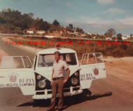 """Viatura de marca VW- Kombi, da Delegacia Sede do Município de Nazaré, da Delegacia Regional de Polícia de Campinas- DERIN- Departamento das Delegacias Regionais de Polícia do Interior de São Paulo, na década de 60. Acervo do Investigador Mário Benedito Pinheiro """"Nazaré""""."""