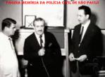 Em 1.965, entrevista do Reporter Policial Orlando Criscuolo, com o Diretor da Escola de Polícia da Rua São Joaquim, José Cesar Pestana. De avental à esquerda, o Professor Carvalho.