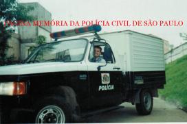 """Carro de cadáver """"rabecão"""" do IML- Instituto Médico Legal, início dos anos 2.000. Acervo do atendente de necrotério Marcio Alves da Silva."""