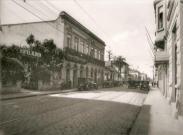 Rua Brigadeiro Tobias, no início da década de 20, vista da Avenida Senador Queiroz para a Luz. À esquerda, mostra o Hotel Albion, onde anos após foi construído o Palácio da Polícia.