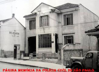 7ª Delegacia da Circunscrição do Bairro da Lapa, da 1ª Divisão Policial, na Rua Spartaco, bairro da Vila Romana- Lapa, na década de 40.