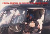 Treinamento do GER - Paraquedismo, na década de 90. O Delegado Bayerlen era o Piloto ao lado do Chefe dos Investigadores da época, Oscar Matsuo.