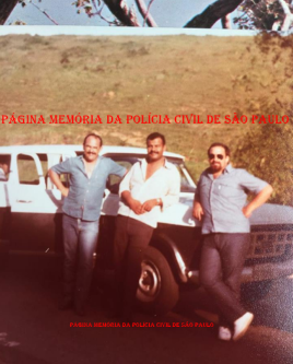 """Equipe Apolo 91 da Delegacia de Roubo a Bancos da DISCCPAT- DEIC """"KILO"""", em 1.984. À partir da esquerda, Investigadores Cypriano R Santos, Valter Corrêa e Zé Roberto. https://www.facebook.com/MemoriaDaPoliciaCivilDoEstadoDeSaoPaulo/photos/a.372880226167888.1073741849.282332015222710/1036401453149092/?type=3&theater"""
